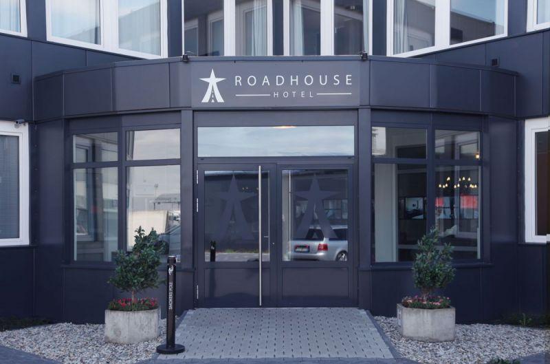 Road-House-Hotel-Aussenansicht-4